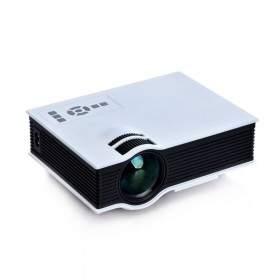Proyektor / Projector Saige UC40