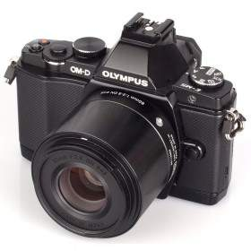 Sigma 60mm f / 2.8 DN