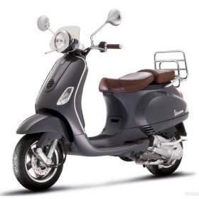 Sepeda Motor Vespa LXV 150
