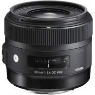 Sigma 30mm f / 1.4 DC HSM Art