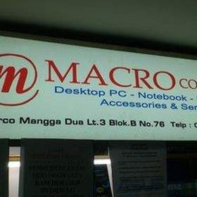 Macro Computer